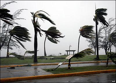 amaran angin kencang, gambar angin kencang, johor dilanda angin kencang, gambar angin, angin kncang sekitar malaysia