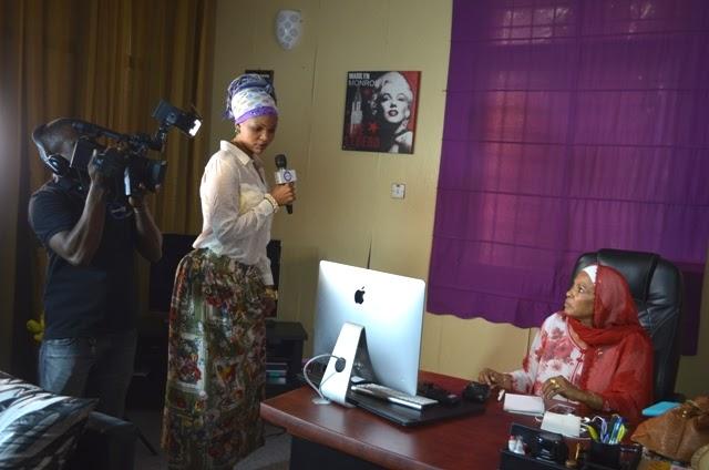 WEMA SEPETU alivyotembelewa na washiriki wa BIBI BOMBA ofisini kwake