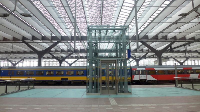 Trains from Leiden to Brussels - omio.com