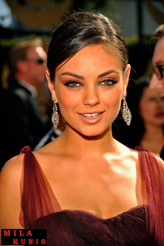 Mila Kunis Biodata, Photo, Award, Image, Picture, Film, Wallpaper ...