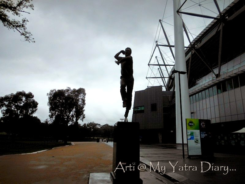 A statue of shane warne at the MCG cricket grounds, Melbourne Victoria