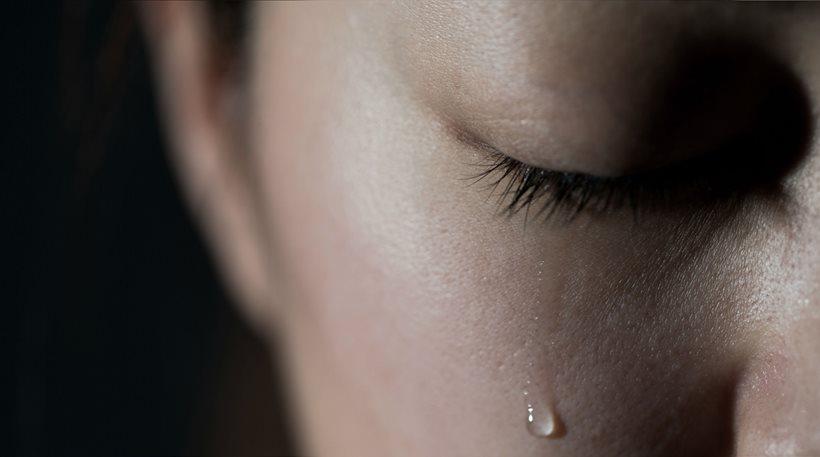 Το «τρίο» της φρίκης: Πατριός βίαζε την κόρη και η μάνα το απολάμβανε, συμμετέχοντας…