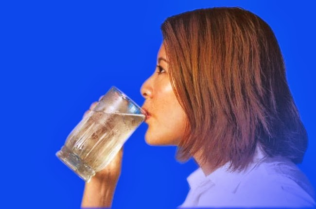 BUSTING WATER MYTHS: There is very little evidence to show that drinking water helps a person to lose weight, says Dr Kitchin, a nutrition expert from the University of Alabama in Birmingham in the United States. She recommends a diet plan with food with high water content, as they fill up the stomach and have fewer calories.
