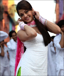 Hot aishvarya on Holi images
