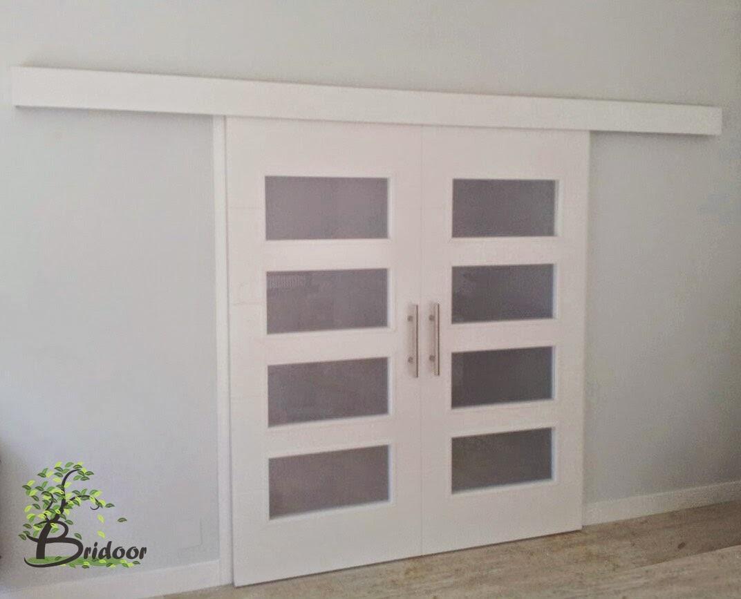 Bridoor s l puertas correderas lacadas for Puertas dobles de madera interior