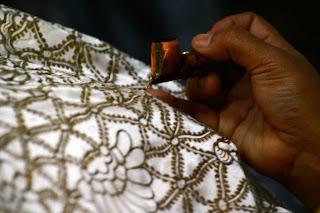 Tips Merawat Busana Batik
