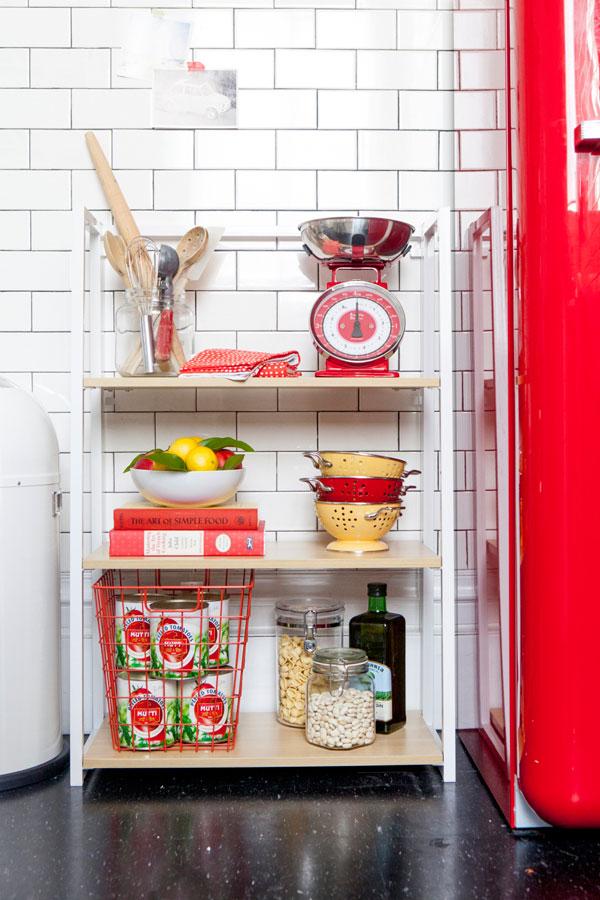 decorar-estante-cozinha-prateleiras-abertas