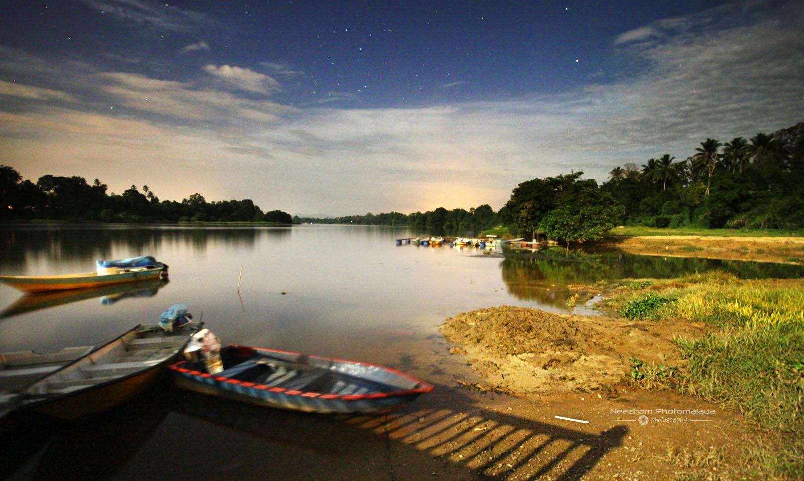 Sungai di kampung Batu Hampar night shot
