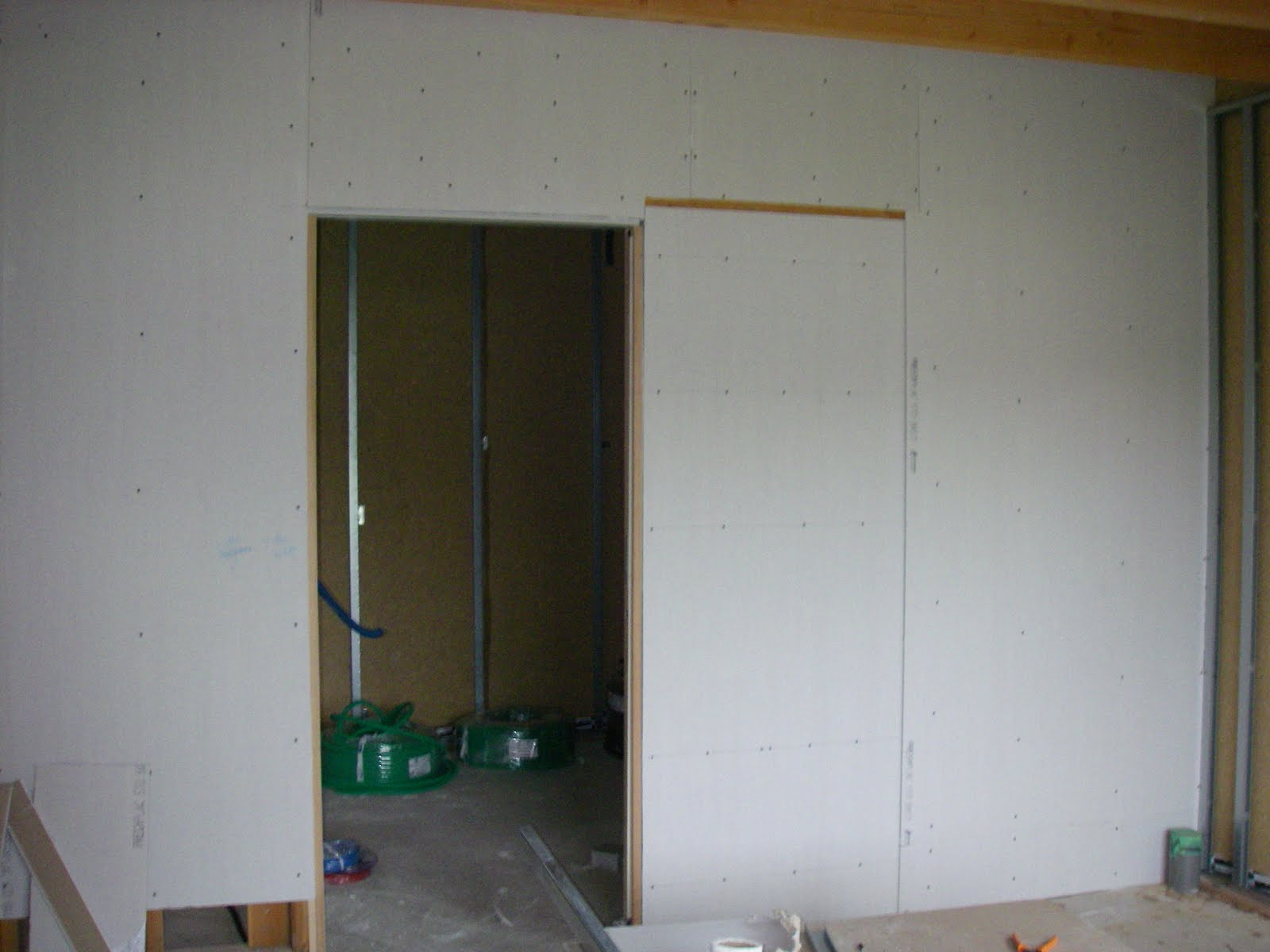 Notre maison ossature bois labelis e bbc dans les pyr n es - Pose placo sur ossature bois ...