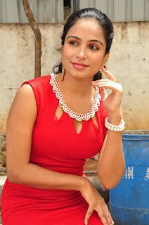 Vrushali Gosavi Stills At Vaadu Nenu Kadhu Movie Launch 10.jpg