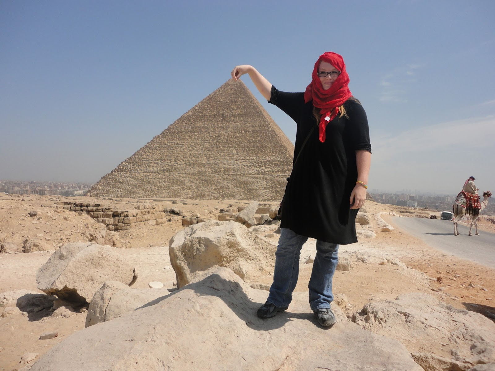 Dress code egypt -  Is Still A Predominantly Muslim Country This Mean That Clothes Are Extremely Important Especially On Women The Dress Code In Egypt For Women Is