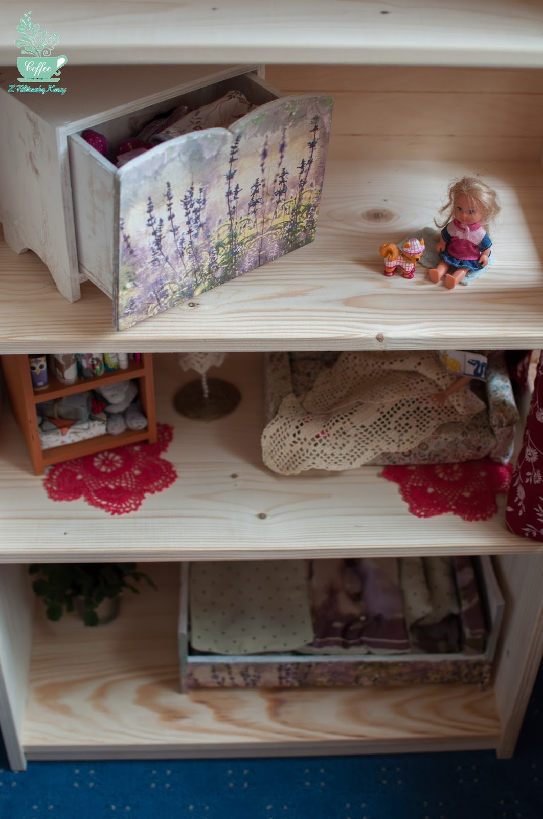 Domek dla lalek- regał