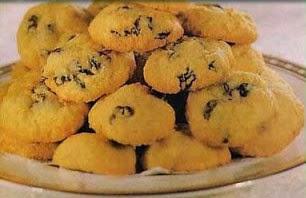 Resep kue kering kelapa ini pun bisa menjadi alternatif saat lebaran. Resep Kue Kering Kelapa Kismis