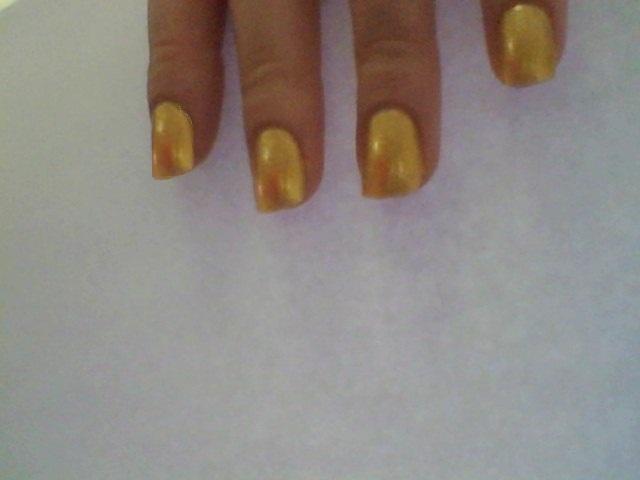 Polished-Perfect: Mini Christmas present nails :)