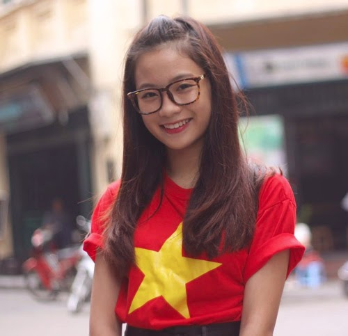 Thời trang yêu nước của các ngôi sao Việt