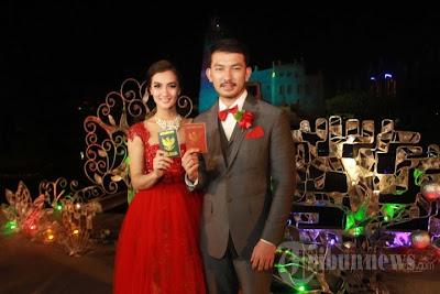 Foto Pernikahan Atikah Hasiholan dan Rio Dewanto