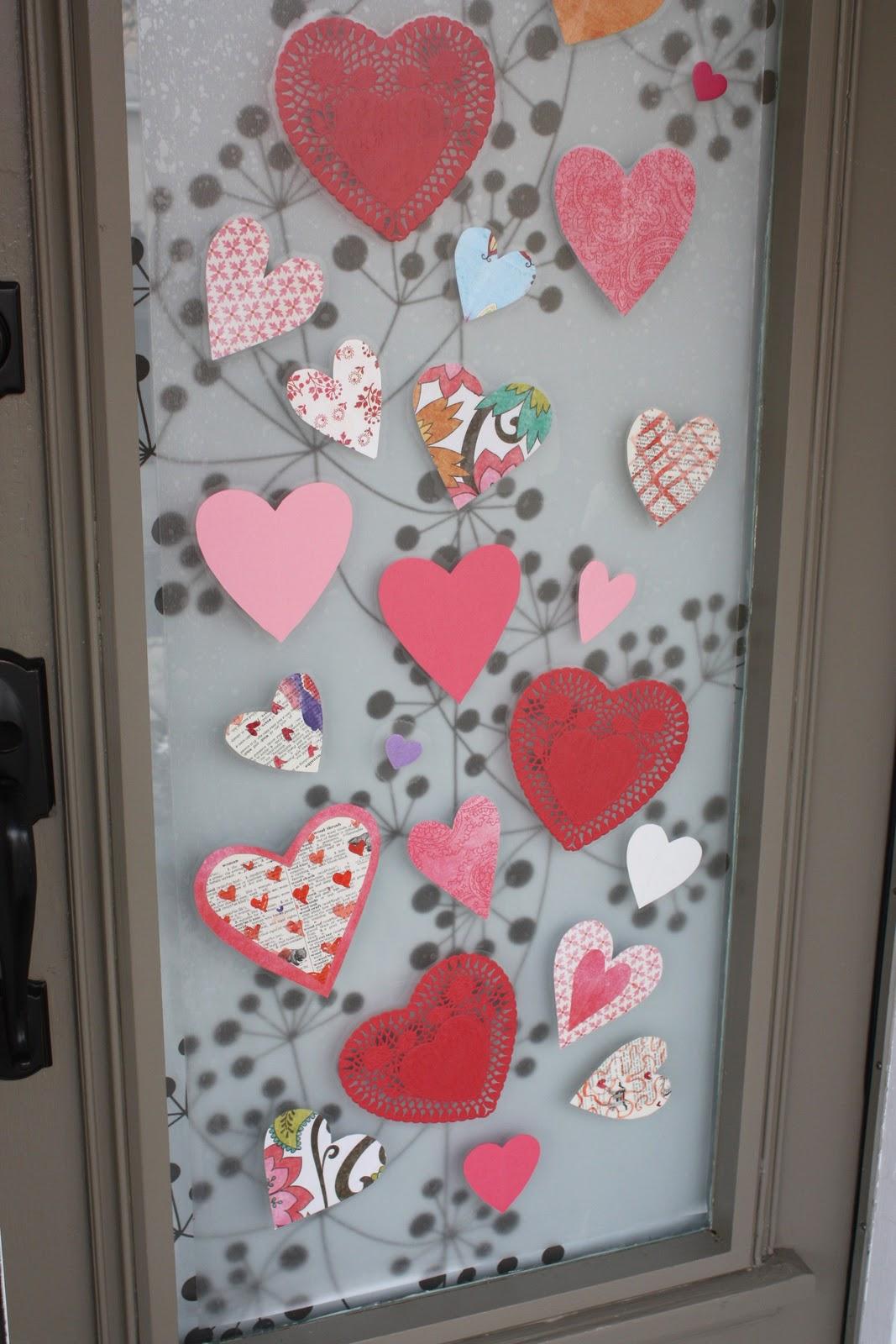 Как своими руками украсить дверь