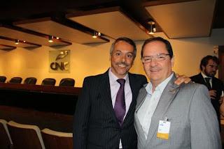 Secretário M. de Turismo, Henrique Carregal, e o presidente da Federação de Convention e Visitors Bureaux do Estado do RJ, Marco Navega