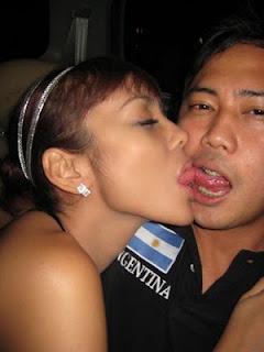 Foto Anita Hara Ciuman Tanpa Sensor