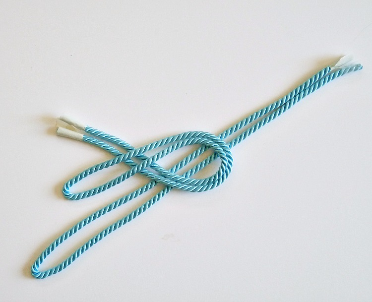 Make a nautical knot