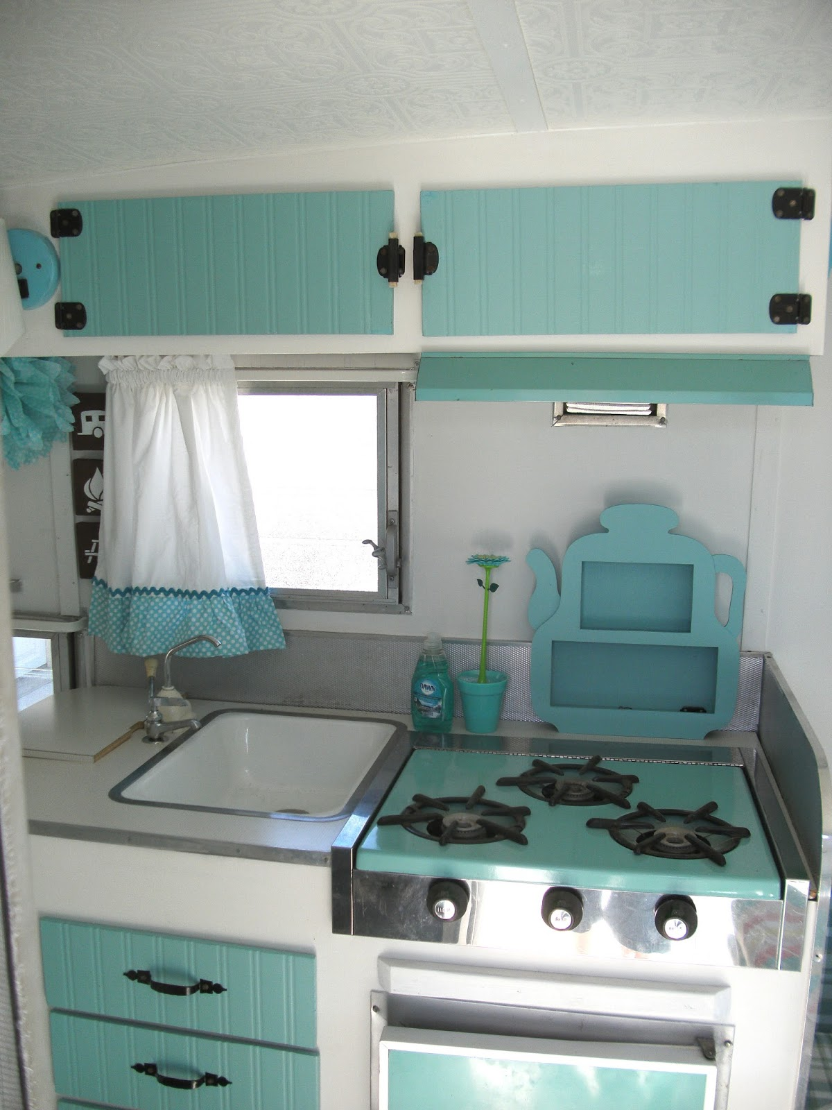 An Update On Maizy My Little Vintage Trailer Interior Before And After Little Vintage Cottage