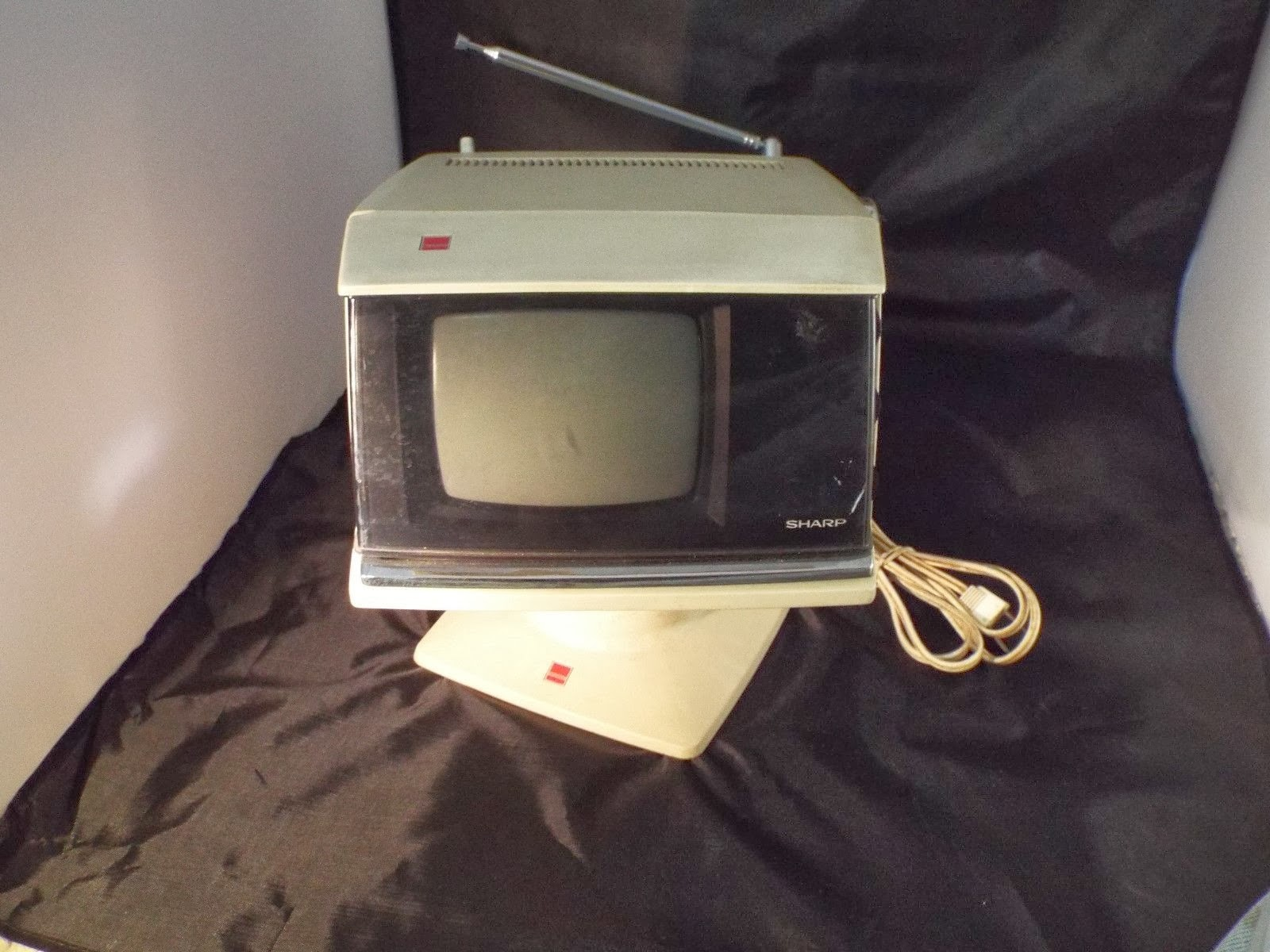 "Vintage SPACE AGE Sharp AA 101W 5 "" Pedestal Television * Please Read*"
