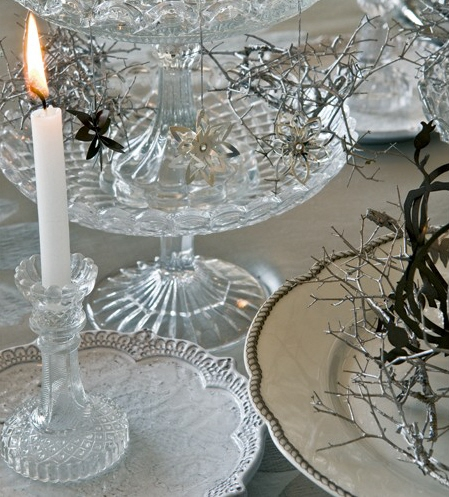 Crystal Wonderland Tablesetting image via Art et Decoration as seen on linenandlavender.net