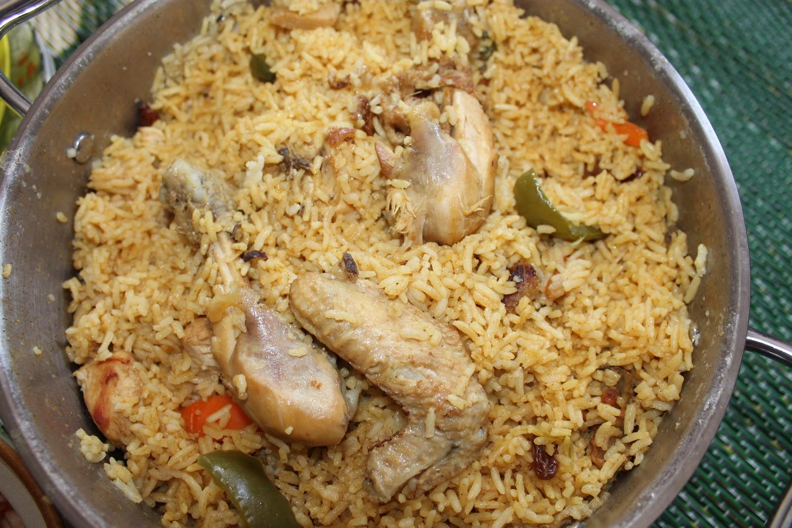 Nasi A rab Mama Lubna siap untuk dimakan seisi keluarg a