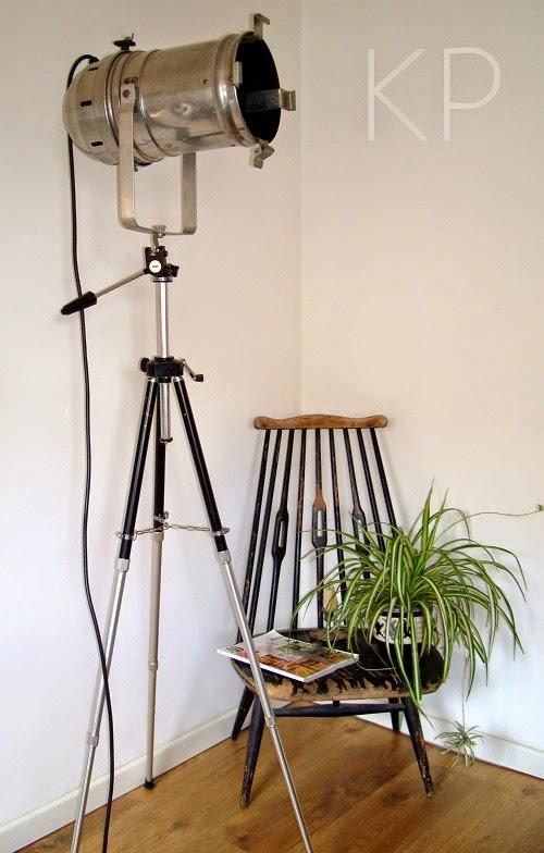 Lámpara de pie salón. Comprar foco con trípode para escaparates.