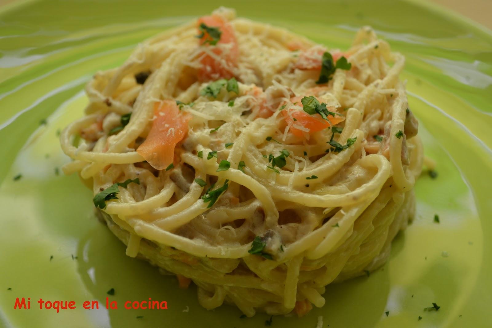 Mi toque en la cocina espaguetis con salm n y champi ones for Espaguetis para dos