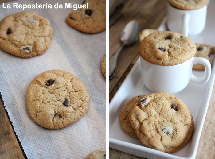 Dos fotografías forman parte de esta imagen.Por un lado una galleta sobre papel para horno, que se esta enfríando. Y por otro  varias galletas sobre una bandeja, una taza de café con una galleta encima de ella.