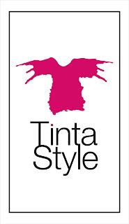 Logotipo escalado CMYK Tinta Style imagen de marca tienda ropa mujer camisetas y moda