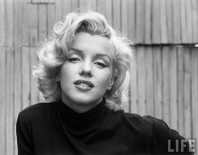 Черно белые фотографии мэрилин монро