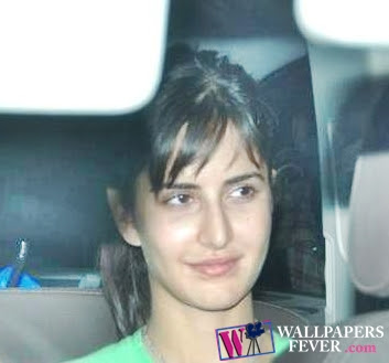 Katrina Kaif in car without make up
