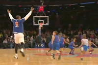 J.R. Smith tries to join halftime scrimmage