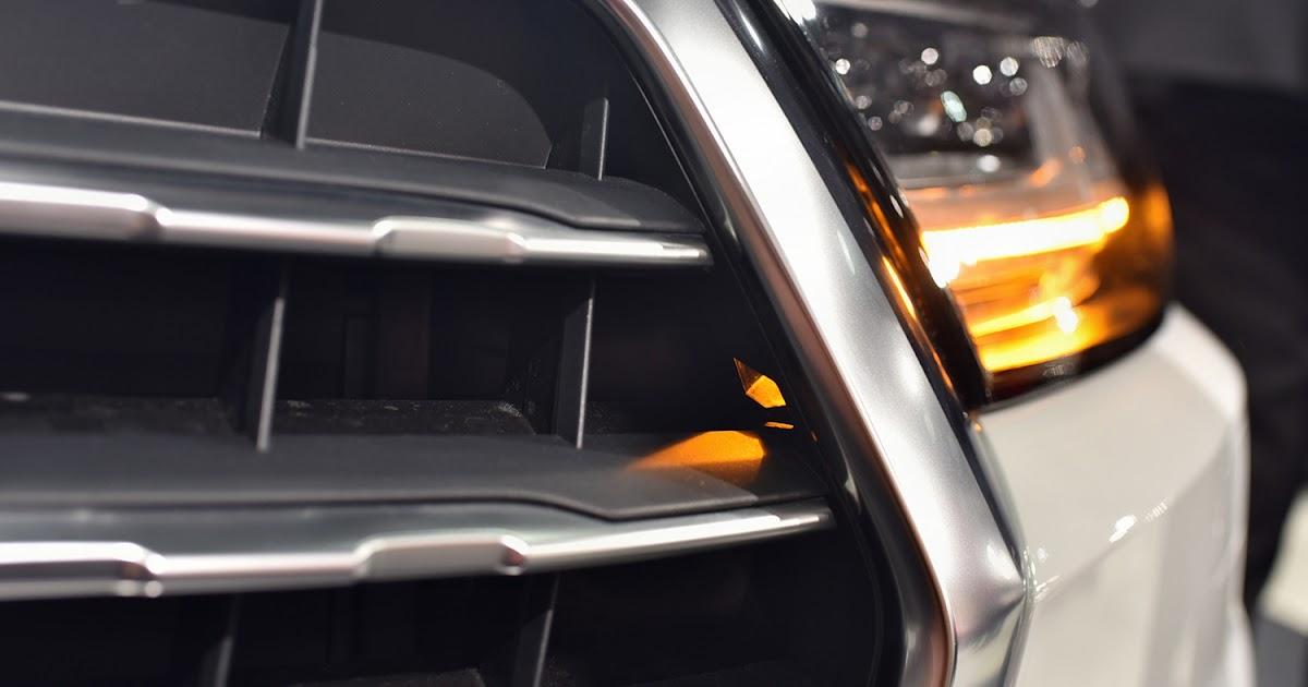 autofilou.at: Darum blinkt der Audi Q7 beim Kühlergrill hinaus!
