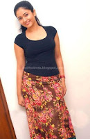 Poonam, bajwa, unseen, t-shirt, photos