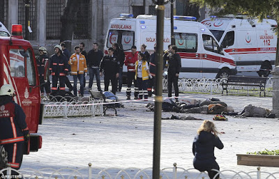 ISIS suicide bomber blows himself up in centre of Istanbul killing 10 tourists 2