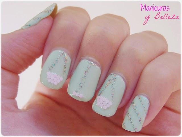 Manicura uñas zodiaco Libra verde claro menta glitter y glequins Nail art