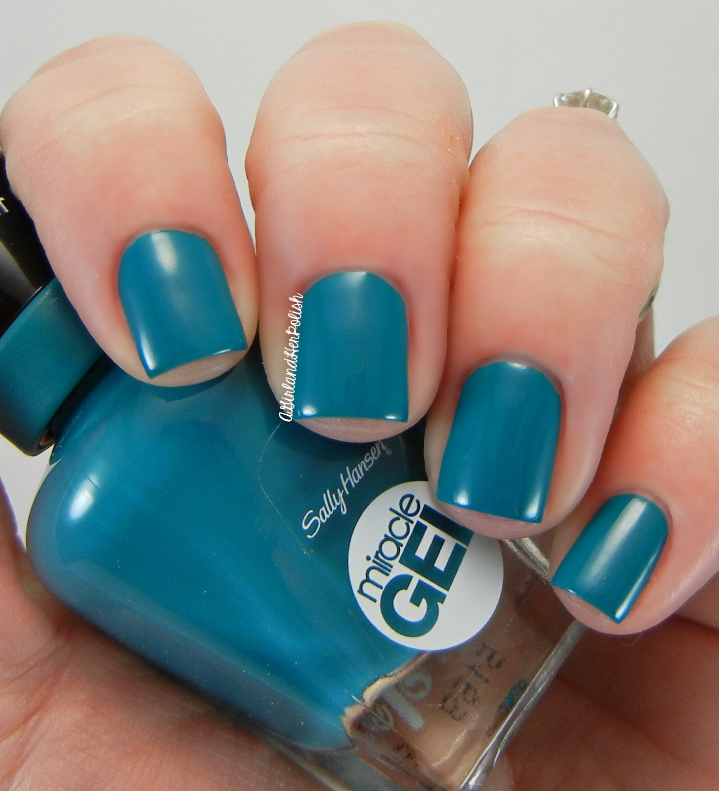 A Girl and Her Polish: Sally Hansen Fall Miracle Gel Shades