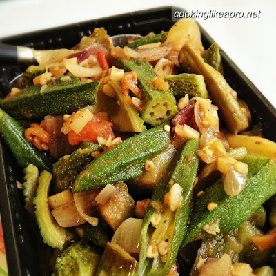 Cooking Pinakbet (Stir-Fry Vegetable Recipe)