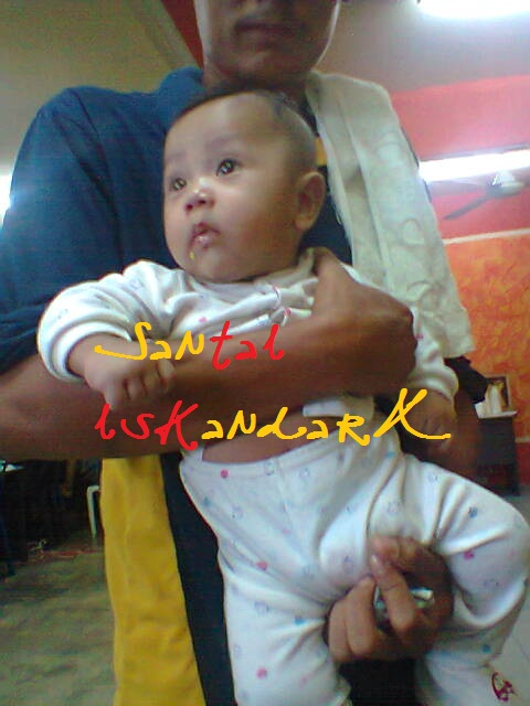 Santai-iskandarX-Flat-Ijau-Din-bawa-anak-dia-ke-kedai-is-iskandarx.blogspot.com