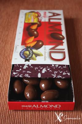 Gourmandise chocolate japonês com amêndoa