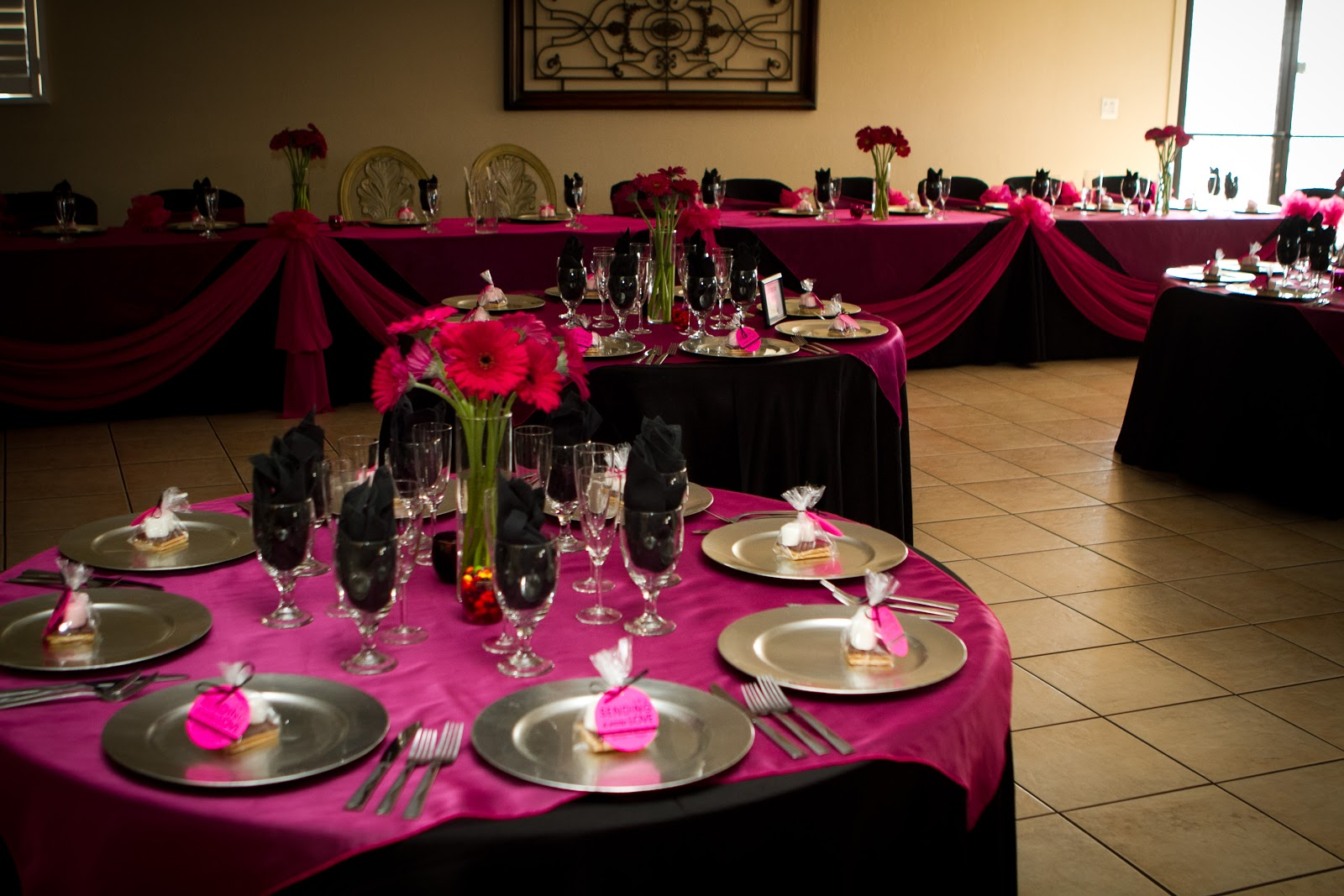 hot pink silver wedding table decorations: ideas centerpieces etc