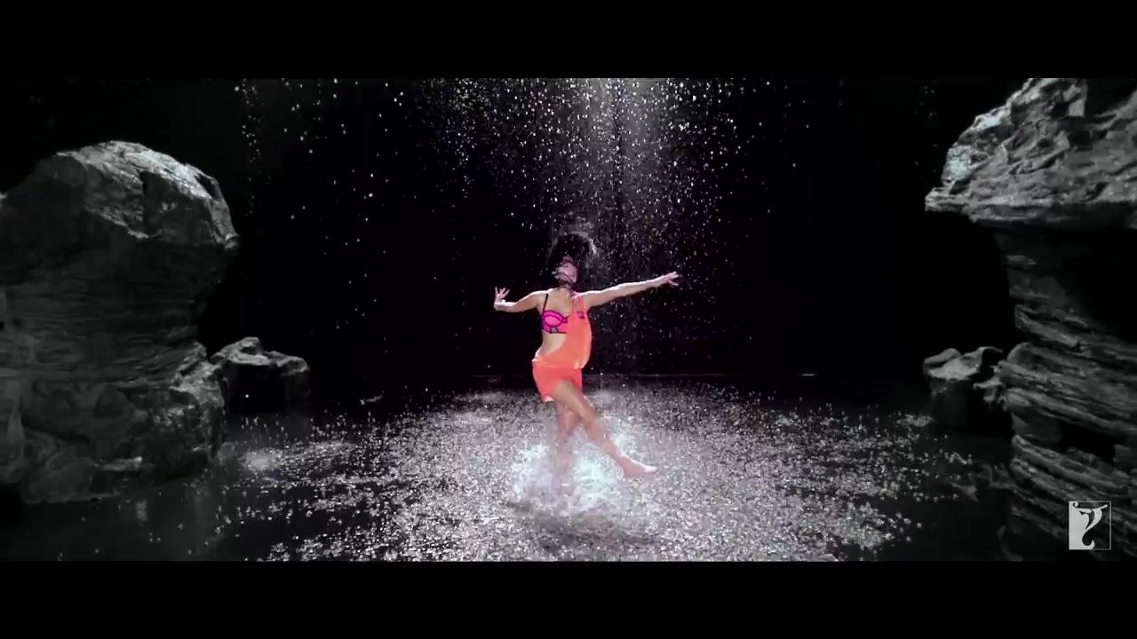 Katrina wet photos dhoom 3