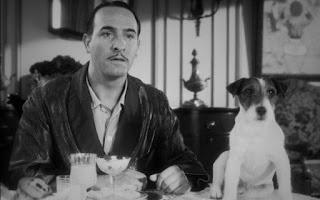 """O cãozinho Uggie ficou famoso depois de participar ao lado de Jean Dujardin no filme """"O artista"""", em 2011"""