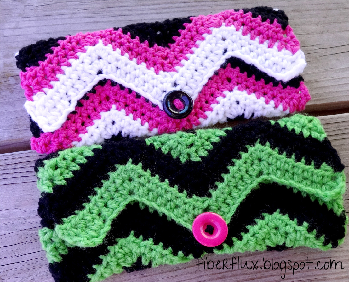 Free Crochet Clutch Pattern : Fiber Flux: Free Crochet Pattern...Graphic Chevron Clutch!