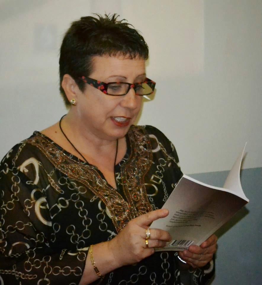 Recitando en la Sala Cultural Mediática