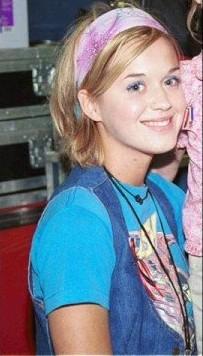Wear Wayfarers Everyday Katy Perrys Hair