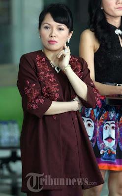 Foto-Foto Istri Eyang Subur (Lengkap)